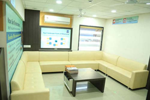 Saluja Eye Care Center in Indore Doctors