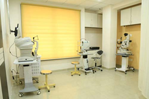 Saluja Eye Care Center in Vijay Nagar, Indore Reviews