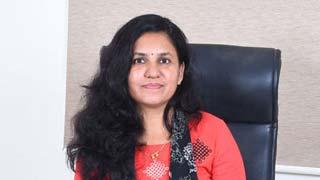 Dr. Sandhya Kale in Solapur